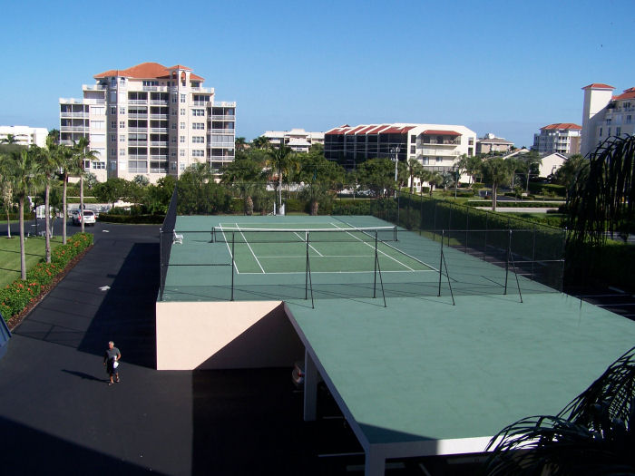 Dela Park Place Tennis Court