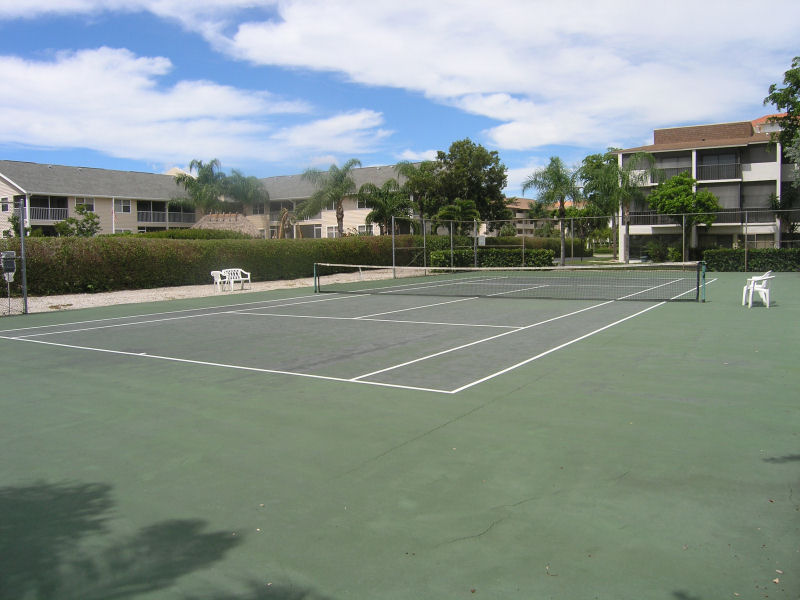 Townhouse Square Tennis