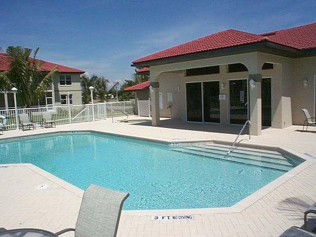 Villas At Waterside Pool